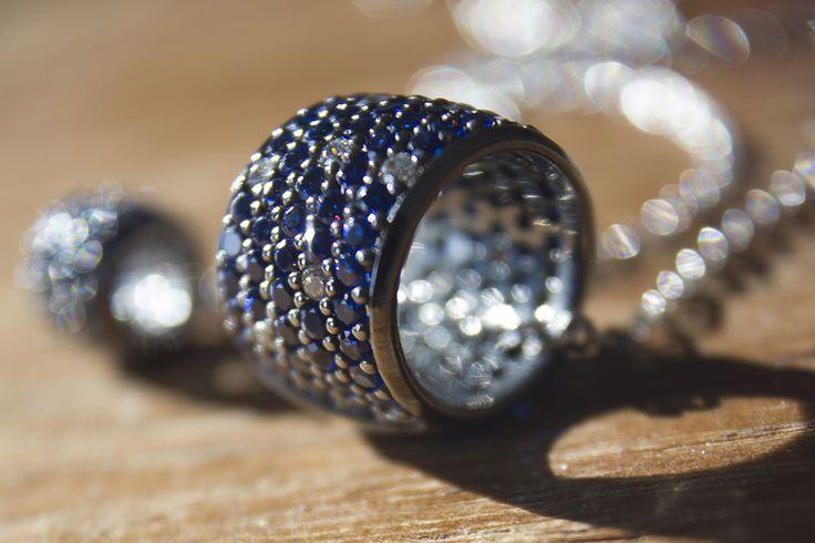 Gioielli in argento e zirconi incassati a mano
