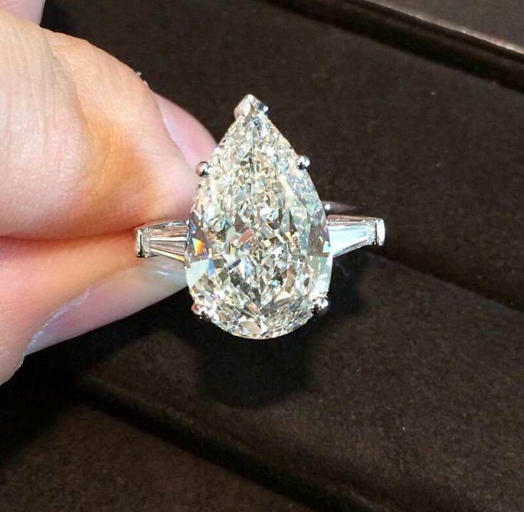 5 carat pear shaped Graff diamond ring