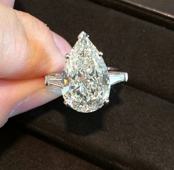 5 carat pear shaped Graff diamond ring