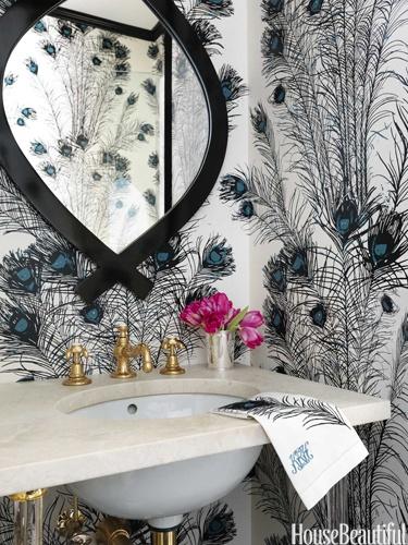 Florence Broadhurst Peacock Feathers wallcovering. Design: Christina Murphy. Photo: Jonny Valiant. housebeautiful.com. #bathroom #peacock_feathers #bath #peacock_print #wallcovering