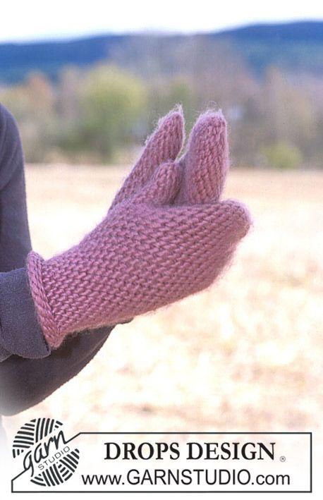 Crocheted mittens in Eskimo ~ DROPS Design