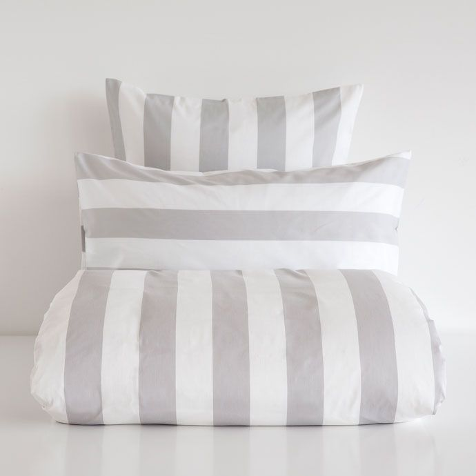 MULTICOLOR UNEVEN-STRIPE BEDDING