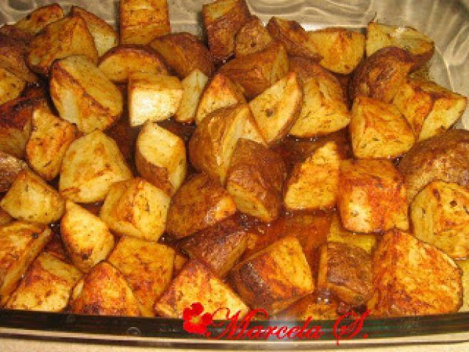 Pui, carnati si cartofi picanti la cuptor