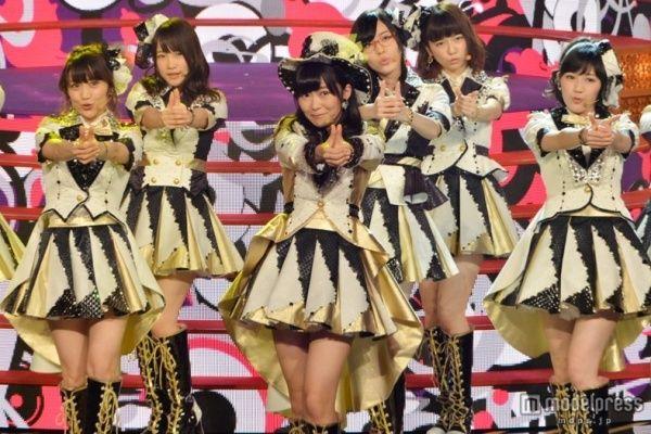 (画像2/2) <レコ大>AKB48、衣装チェンジで「恋チュン」 会場一体のパフォーマンス