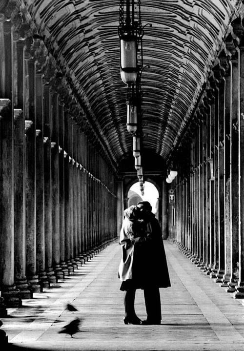 Gianni Berengo Gardin - Kisses, Venezia