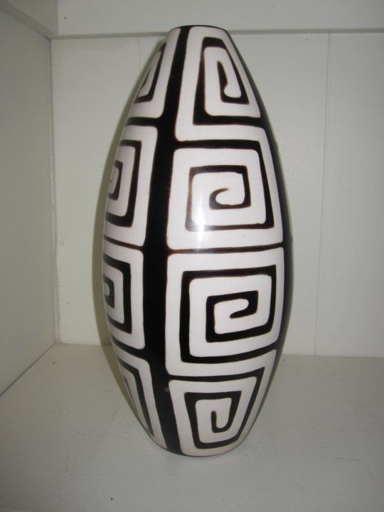 Chulucanas Pottery. This is one of many in my collection.