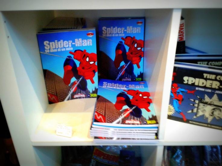 Stampati da Geca, letti e riletti da un bambino di mia conoscenza. La foto è fatta a Wow Spazio Fumetto di Milano (www.museowow.it) in occasione della mostra sui 50 anni di Spider-Man.