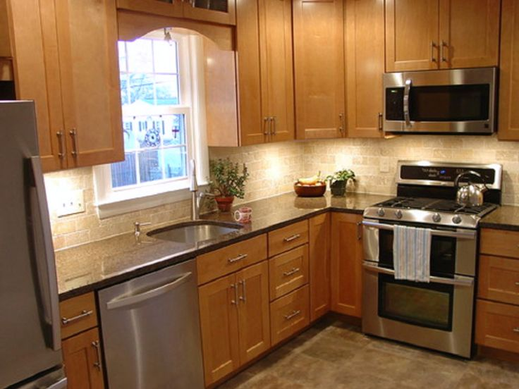 The 25 best small l shaped kitchens ideas on pinterest for Kitchen cabinets 8x10