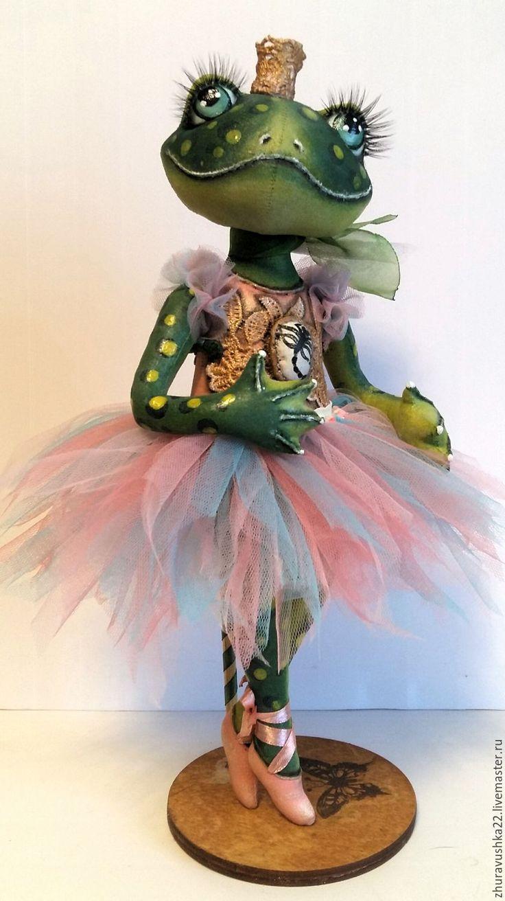 Купить Лягушка зеленая. Текстильная кукла. - зеленый, лягушка, балерина, коллекционная кукла