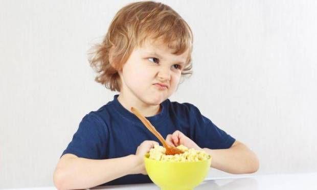 İştahsız çocuklara yemek yedirmenin yolları - Yemeklerden önce fazla sıvı tüketmesini engelleyin! http://www.hurriyetaile.com/cocuk/cocuk-beslenmesi/istahsiz-cocuklara-yemek-yedirmenin-yollari_15833.html