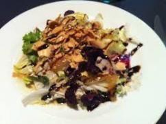 Ensalada tailandesa de verduras salteadas