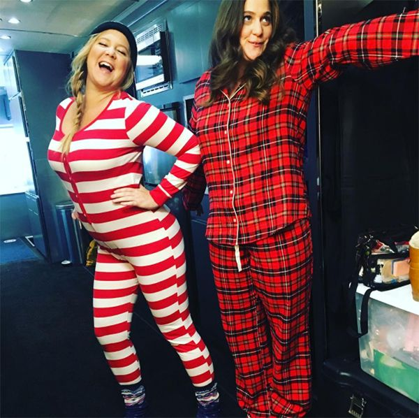 Amy Schumer & Sister Mock Kendall & The Hadids After VS Fashion Show — SeePic