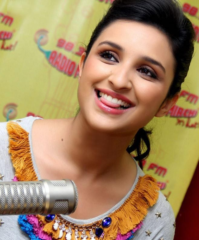 Parineeti Chopra Hot and Sexy Snap