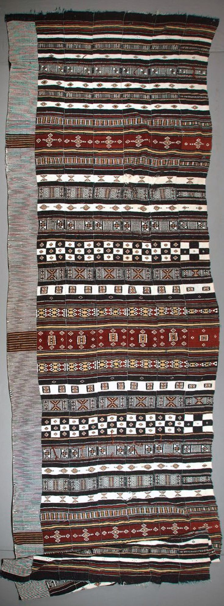 Africa | Wedding Hanging (arkilla) from the Fulani people of Mali | Early 20th century | Wool, cotton; weft-faced plain weave, tapestry weave, complementary weft patterning