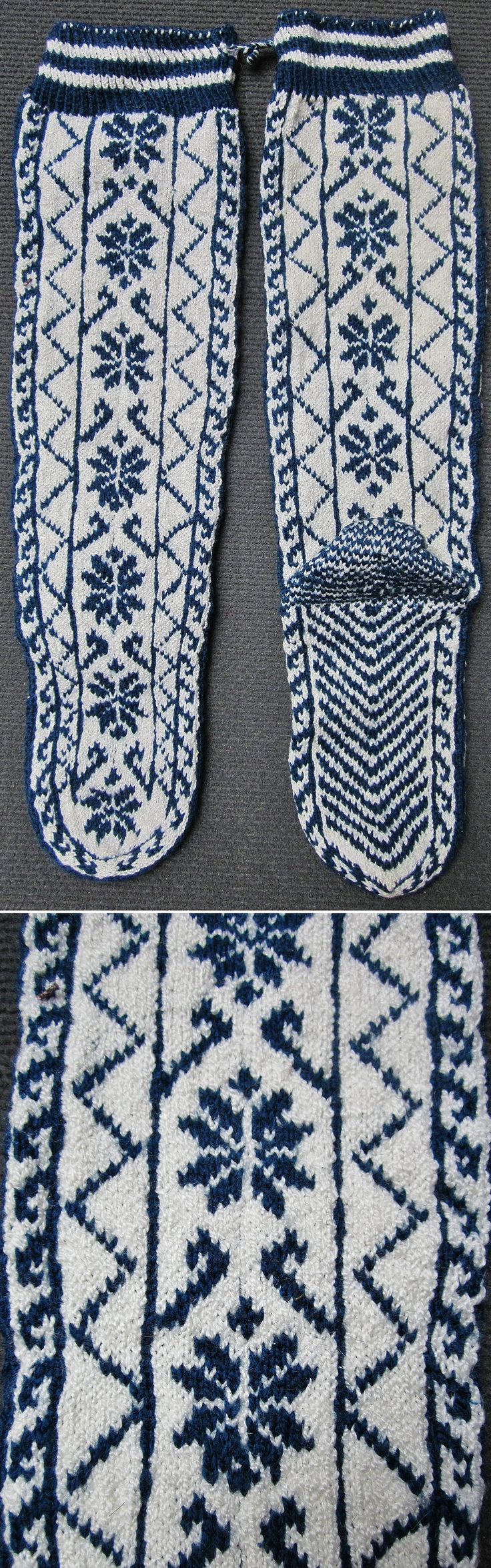 Traditional woollen stockings for women.  From Çamlıhemşin (Rize province), late 20th century. Ethnic goup: Hemşinli.  (Inv.nr. çor032- Kavak Costume Collection - Antwerpen/Belgium).