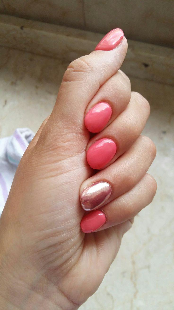 Nail art corallo rosa specchio