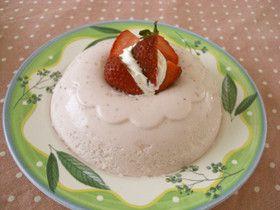ジューサーひとつで簡単な苺のババロア