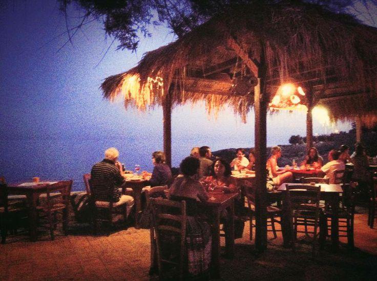 Il Barrueco di Santa Caterina - Nardò.   Locale Culto della Costa Ionica in Salento.   #Barrueco #Salento #Spiaggia #Locali