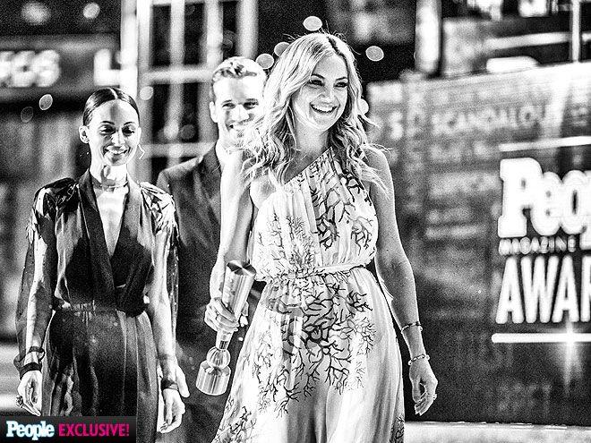 People Magazine Awards 2014 Photos: Kate Hudson, Adam Levine, Nick Cannon : People.com