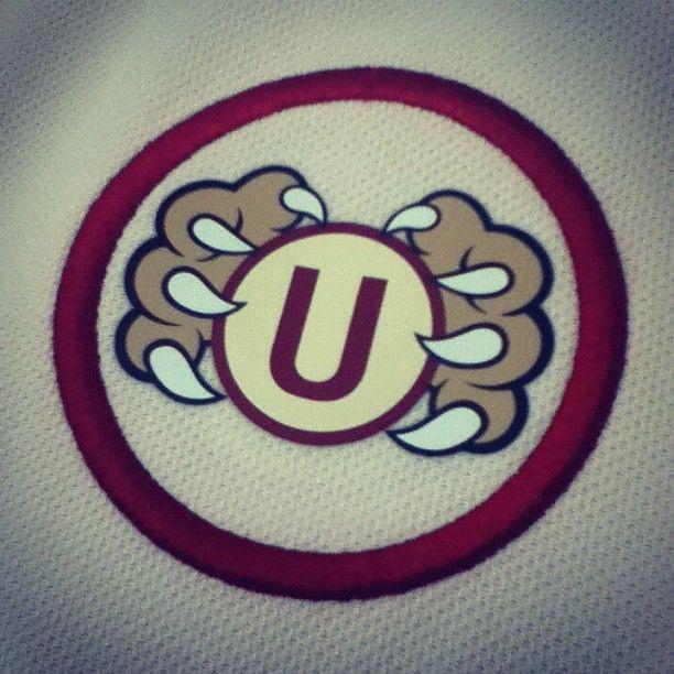 garra crema - universitario de deportes - by cherman #igersperu @Igersperu Comunidad by Augusto Saldaña M, via Flickr