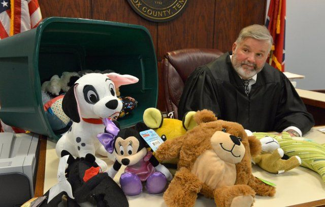 Knox County Juvenile Court Judge Tim Irwin has nearly run out of stuffed animals that put children at ease in court. Join the #fluffproject at Hopeful Threads!!!!