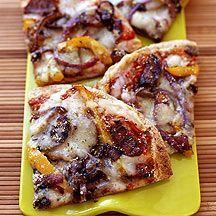 (9 pp) Grillad tortillapizza med korv, lök och paprika