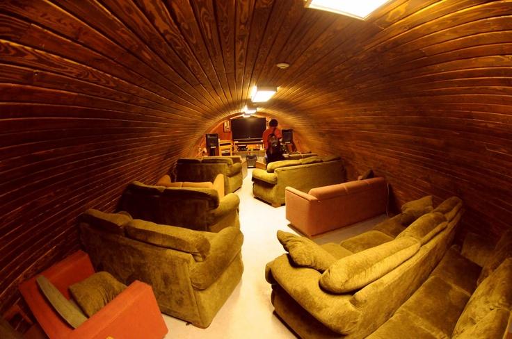 More of the McMurdo Station coffee house.  Google Image Result for http://1.bp.blogspot.com/-TAgV4bdVntA/TZs-VyqUcfI/AAAAAAAACSM/QkwZV4GvKks/s1600/wine%252Bbar%252Bmcmurdo%252BIII.jpg