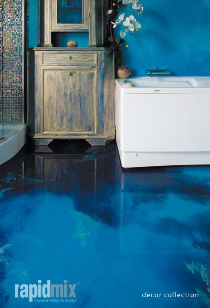 Esempi di #pavimentazione in #resina: #bagno. Azienda: #Rapidmix.
