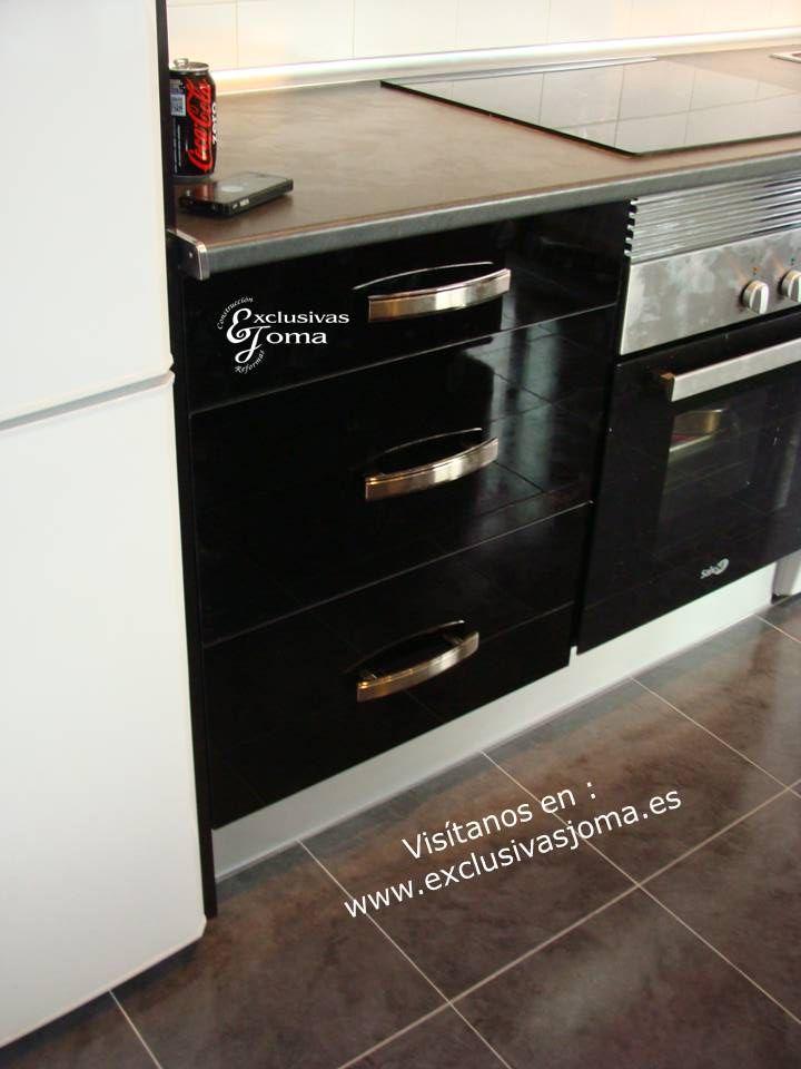 Muebles de cocina en la nuevas viviendas de tres cantos en for Muebles low cost madrid