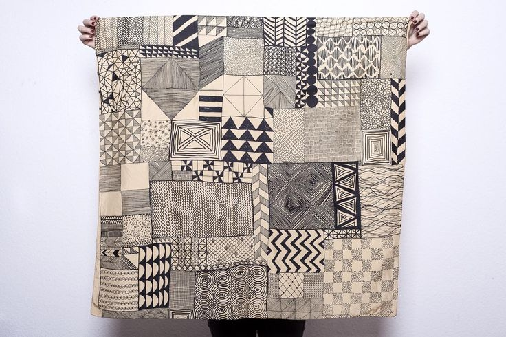 Cunéiforme. Foulard en soie, teinture naturelle. Silk scarf, natural dye. Juliette Vergne