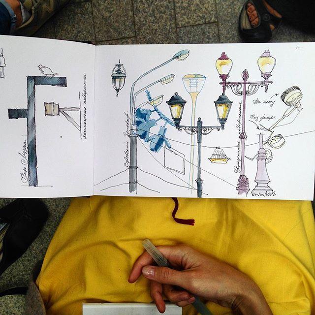 Another collection of the street lights drawn with students today . Еще одна коллекция московских фонарей, собранная сегодня со студентами . #mysquiggles_workshop #urbansketch #boesner #sketchbook #lamy #fountainpen #winsorandnewton #watercolor #sketch #traveljournal #collection