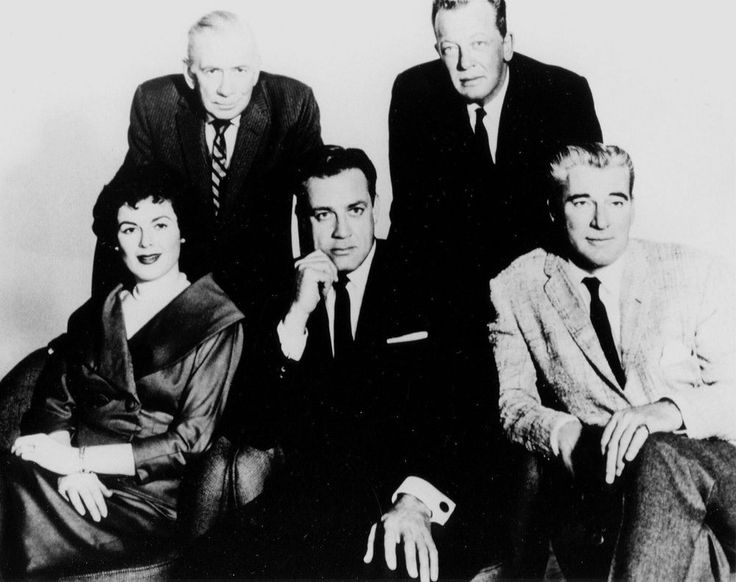 RARE STILL CAST OF TV PERRY MASON