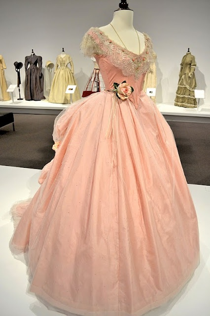nice ball gown. This looks like the one Christine wore in the masquerade scene in Phantom of the Opera.