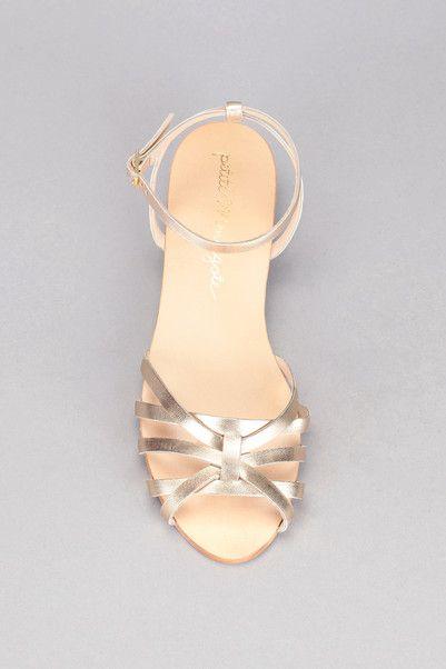 Sandales dorées cuir Minorque Doré Petite Mendigote sur MonShowroom.com