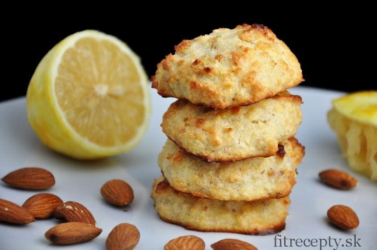 Mandľovo kokosové keksíky s citrónovou príchuťou - FitRecepty
