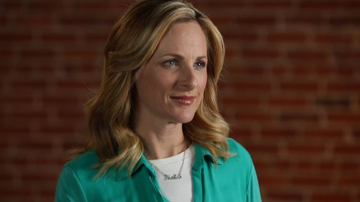 Marlee Matlin On Deaf And Police Interaction  (Signed - what to do if pulled over or stopped by police) GREAT ADVICE - THank you Marlee!!