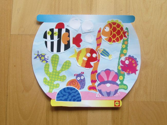 Fishbowl Craft with #Free #Printables by #alextoys @ http://www.alexbrands.com/category/crafts-and-printables/ FISH CRAFT @ http://www.alexbrands.com/printable-3-fish-crafts/