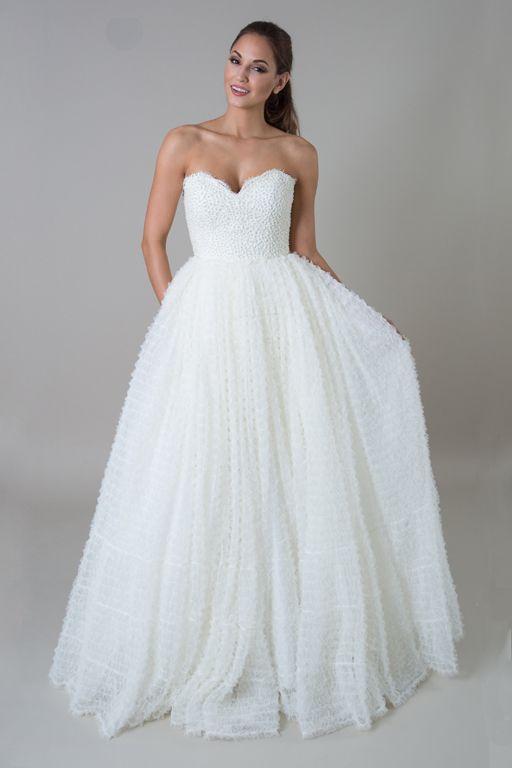 16f6dca7f076f Vera Wang Princess Dress Wedding Ideas t Wedding