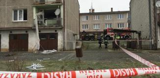 V Drahotíně na Domažlicku výbuch plynu zničil bytovku, dvě osoby zraněny