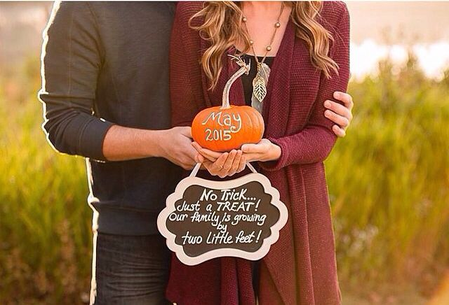 Fall/Halloween pregnancy announcement! Adorable! Love it!