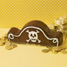 Pirate Hat Cake and other pirate party ideas