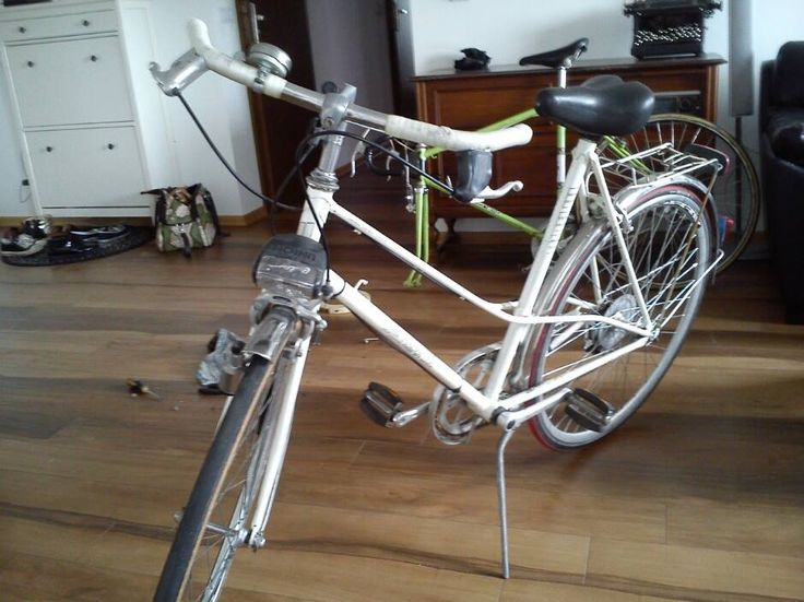 German Lady Bike Brennabot, lightweight steel, nice colour and line. cozy and with wierd  seat :)