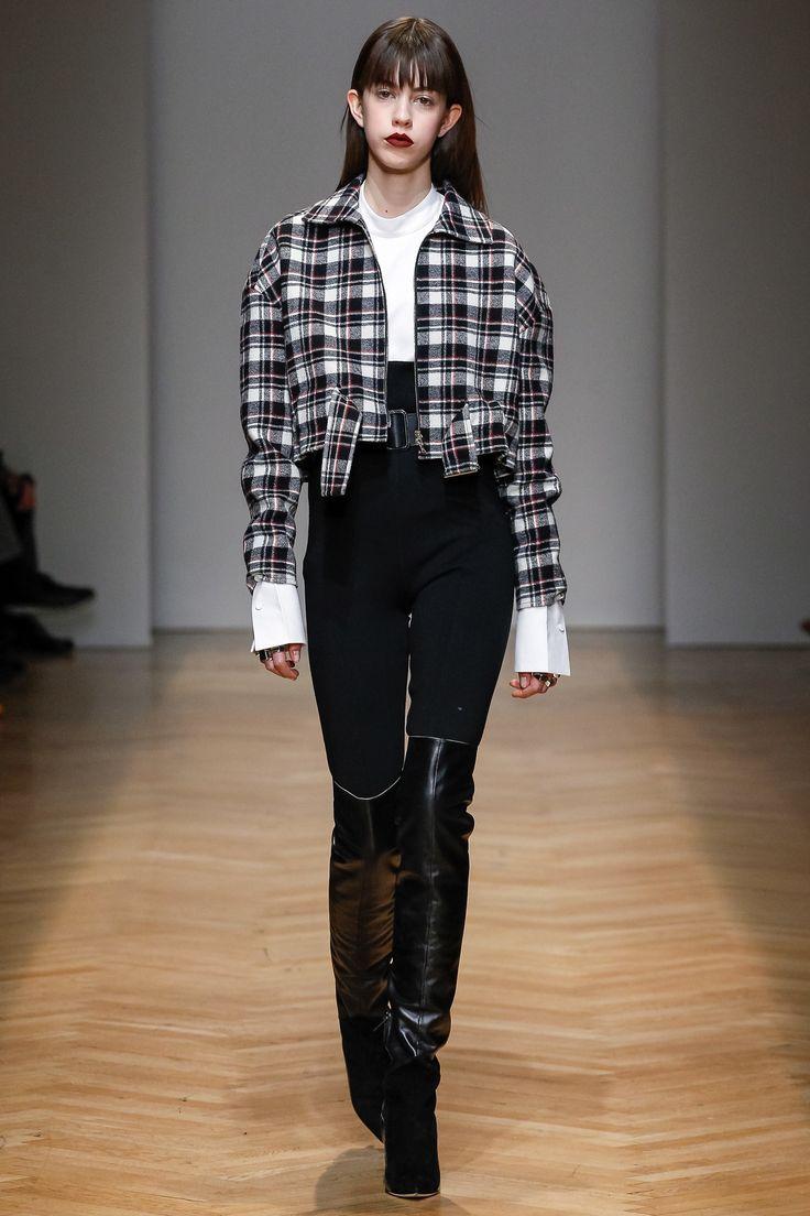 http://www.vogue.com/fashion-shows/fall-2017-ready-to-wear/aquilano-rimondi/slideshow/collection