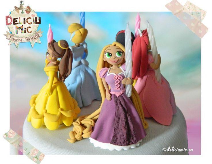 Figurine cu personaje din desene animate