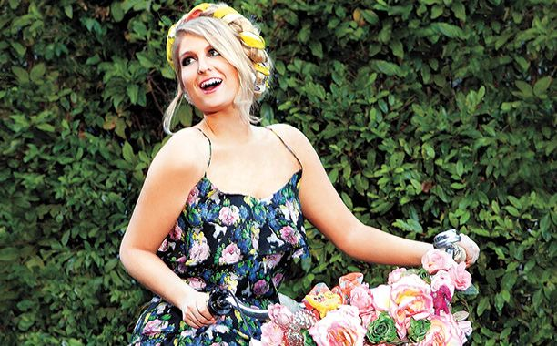 Meghan Trainor talks 'All About That Bass,' Beyonce, and Bieber | The Music Mix | EW.com