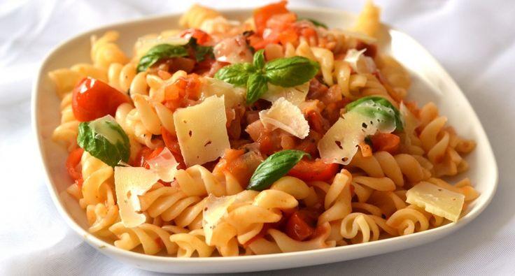 Paradicsomos-baconos tészta recept | APRÓSÉF.HU - receptek képekkel