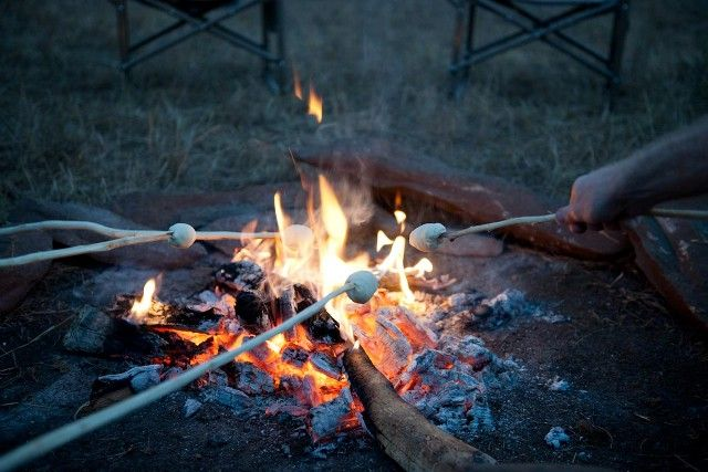 In keeping with the relaxed setting, mealtimes are interactive, sociable and enlivened by unforgettable stories about Africa, usually told around the campfire.