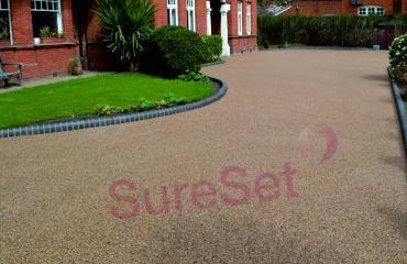 Bedford Park Mansions - SureSet driveway