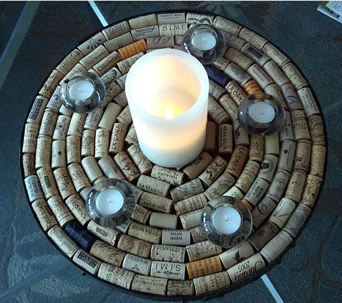 Fun ideas on how to use wine corks in your home decor! #diy #tips