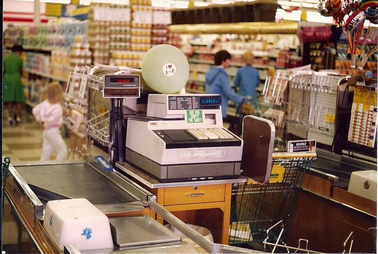 https://flic.kr/p/qRzQso | NCR 255 Cash Register Super Fresh 463 Marlton NJ | An NCR 255 cash register and Toledo scale with digital readout tube display at the Super Fresh Market I worked at. These were left from the store's days as A&P 221. Hussmann check-out counter. They were replaced with IBM scanning registers here in 1991.